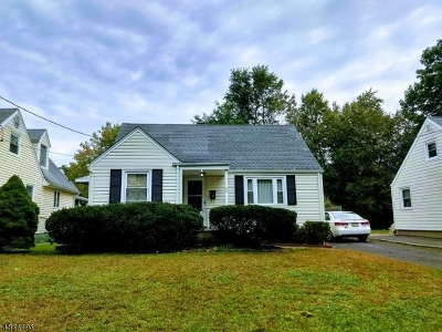 Summit Single Family Home For Sale: 16 Edison Dr