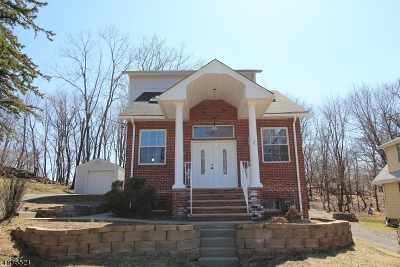 North Haledon Boro Single Family Home For Sale: 208 Terrace Ave