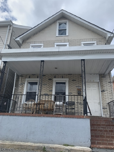 Paterson City Single Family Home For Sale: 562 E 23rd St