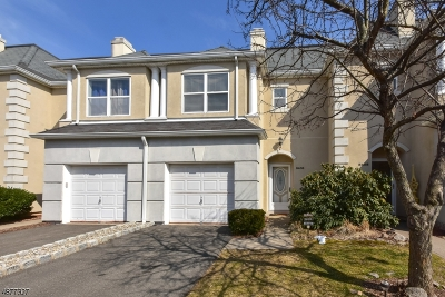 Wayne Twp. Condo/Townhouse For Sale: 8409 Brittany Dr