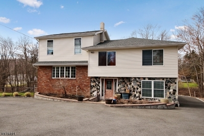 North Haledon Boro Single Family Home For Sale: 467 Squaw Brook Rd