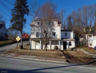 Newton Town Single Family Home For Sale: 123 High St
