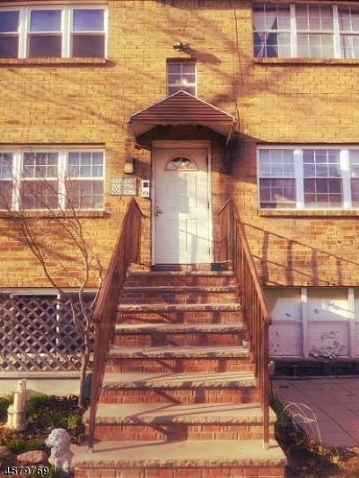 Edison Twp. Condo/Townhouse For Sale: 209 College Dr