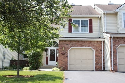 Bridgewater Twp. Condo/Townhouse For Sale: 702 Porter Way West