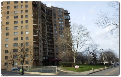 East Orange City NJ Condo/Townhouse For Sale: $69,900