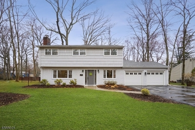 Livingston Single Family Home For Sale: 7 Balmoral Dr
