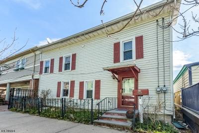 Clinton Town Single Family Home For Sale: 4 E Main St