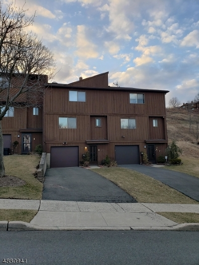 Hawthorne Boro NJ Condo/Townhouse For Sale: $370,000