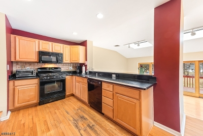 Mendham Boro, Mendham Twp. Single Family Home For Sale: 15 Hillcrest Ave