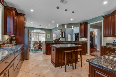 West Orange Twp. Condo/Townhouse For Sale: 7 Kovach Court