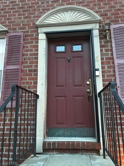 University Heights Condo/Townhouse For Sale: 6 Rutgers Dr
