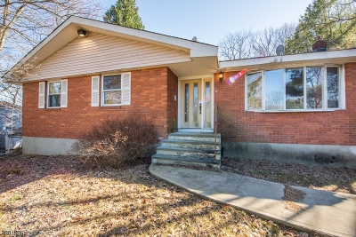 Byram Twp. Single Family Home For Sale: 52 Sleepy Hollow Rd