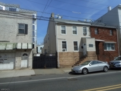 Ironbound Multi Family Home For Sale: 127-129 Walnut St