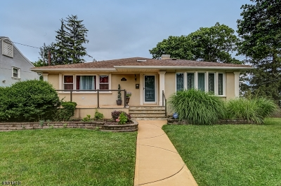 West Orange Twp. Single Family Home For Sale: 1 Vosseler Ct