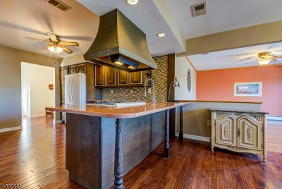 Springfield Twp. Single Family Home For Sale: 63 New Brook Ln