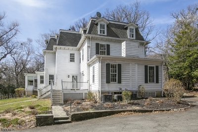 West Orange Twp. Single Family Home For Sale: 11 Park Way