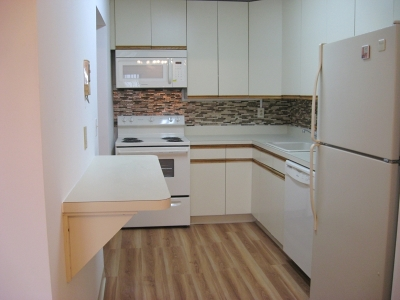 Linden City Condo/Townhouse For Sale: 10 N Wood Ave Unit 219 #219