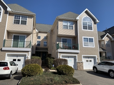 Montgomery Twp. Condo/Townhouse For Sale: 205 Tomahawk Ct