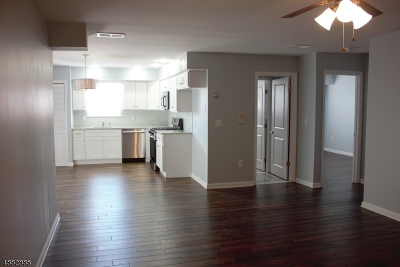 Newark City NJ Condo/Townhouse For Sale: $269,000