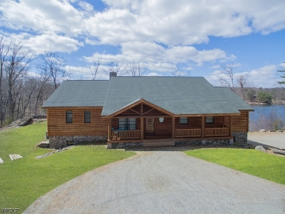 Byram Twp. Single Family Home For Sale: 183 Forest Lake Dr