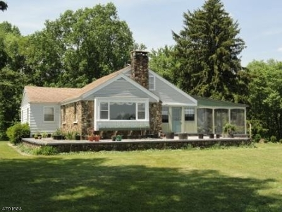 Franklin Twp. Single Family Home For Sale: 67 Hogback Rd