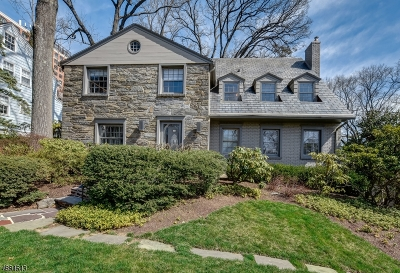 Maplewood Twp. Single Family Home Active Under Contract: 13 Woodhill Dr
