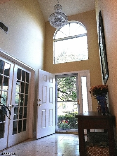 East Hanover Twp. Condo/Townhouse For Sale: 49 Castle Ridge Dr