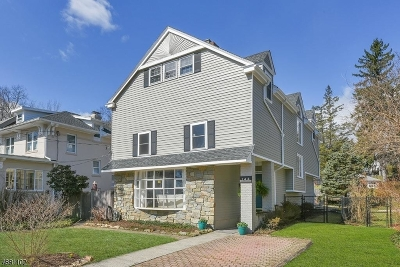 Morristown Single Family Home For Sale: 144 Mills St