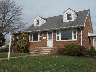 Manville Boro Single Family Home For Sale: 136 N 7th Ave