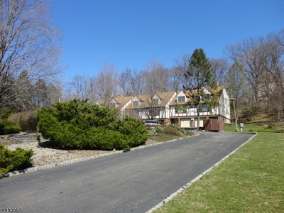 Wayne Twp. Condo/Townhouse For Sale: 144 Garside Ave