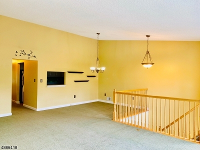 Franklin Park Condo/Townhouse For Sale: 11 Gregory Ln
