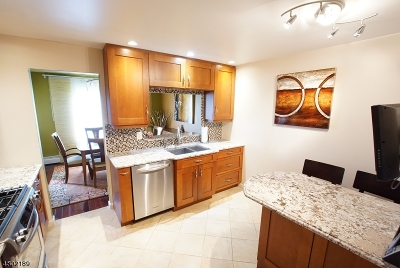 Chatham Twp Condo/Townhouse For Sale: 11i Sentinel Ct #I