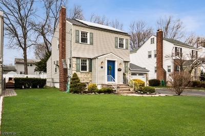 Clark Twp. Single Family Home For Sale: 33 Colonial Dr