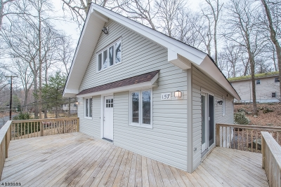 Byram Twp. Single Family Home For Sale: 157 Forest Lake Dr