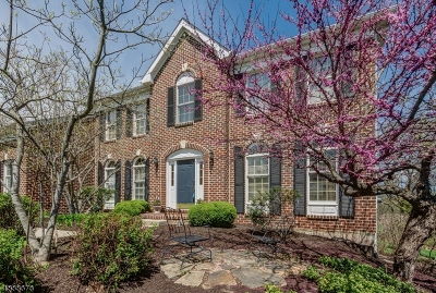 Union Twp. Single Family Home For Sale: 56 Wyckoff Dr