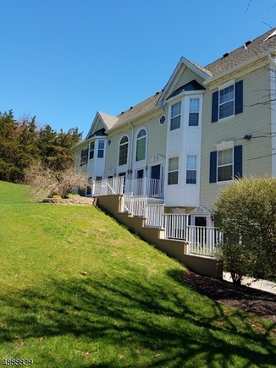 Branchburg Twp. Condo/Townhouse For Sale: 1305 Magnolia Ln