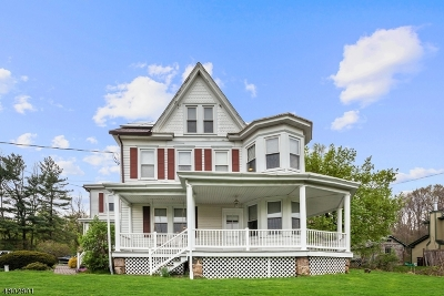 Warren County Single Family Home For Sale: 1609 Belvidere Rd