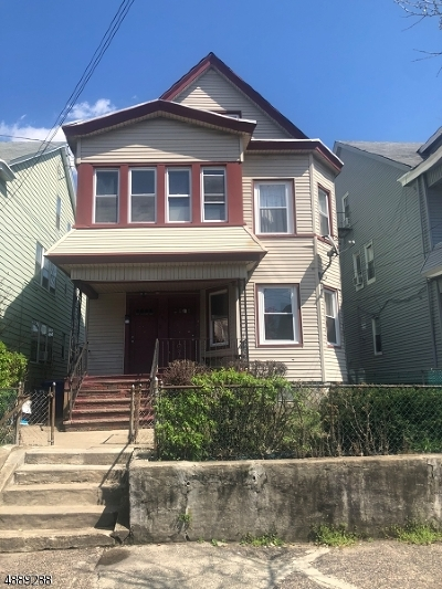 Passaic County Multi Family Home For Sale: 105-107 Graham Ave