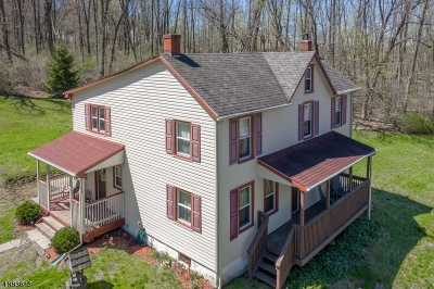 Holland Twp., Milford Boro Single Family Home For Sale: 1127 Milford-Warren Gln