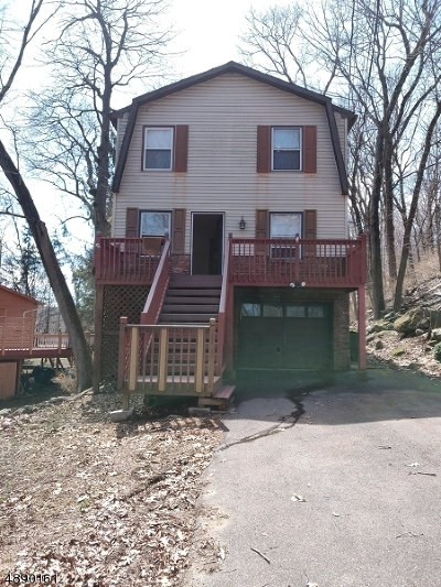 Byram Twp. Single Family Home For Sale: 34 Winding Way