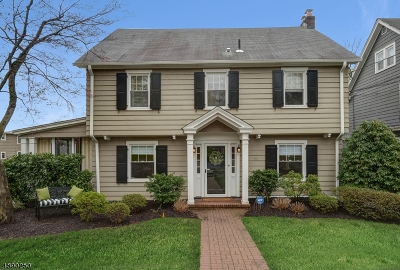 Maplewood Twp. Single Family Home For Sale: 6 Colonial Ter