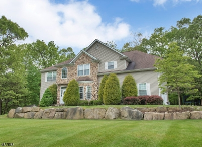 Byram Twp. Single Family Home For Sale: 13 Manor Dr