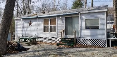 Vernon Twp. Single Family Home For Sale: 46 Oak Vlg
