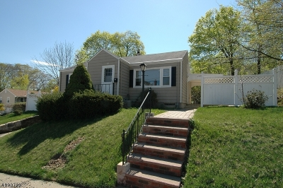 Dover Town Single Family Home For Sale: 10 Pine St