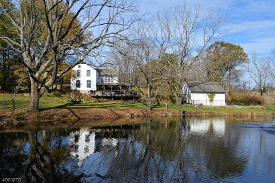 Delaware Twp. Single Family Home For Sale: 174 Lambertville Hqts Rd