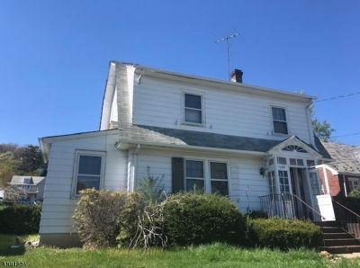 Dover Town Single Family Home For Sale: 143 Lincoln Ave