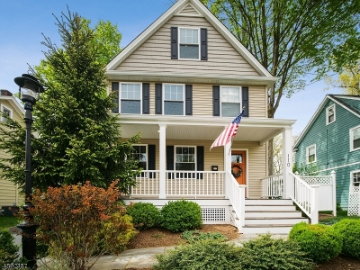 Madison Single Family Home For Sale: 110 Greenwood Ave