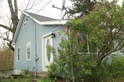 Roxbury Twp. Single Family Home For Sale: 126 Shippenport Rd