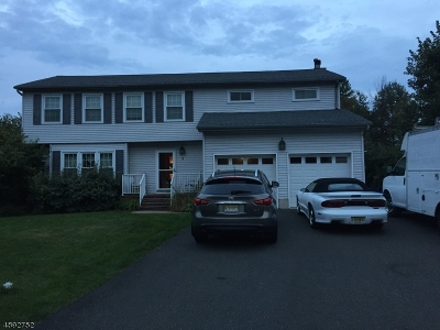 Raritan Twp. Single Family Home For Sale: 5 Portsmouth Ct