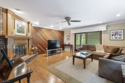 Long Hill Twp Single Family Home For Sale: 280 Tanglewood Trl